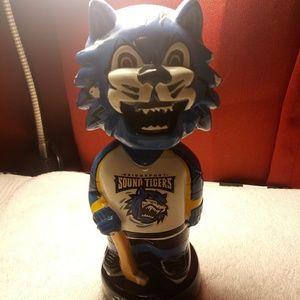 Bobble head figurine Bridgeport sound tigers